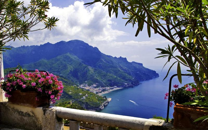 Anime Merry Christmas Wallpaper Hd Ravello Amalfi Coast In Italy Wallpaper Download Free