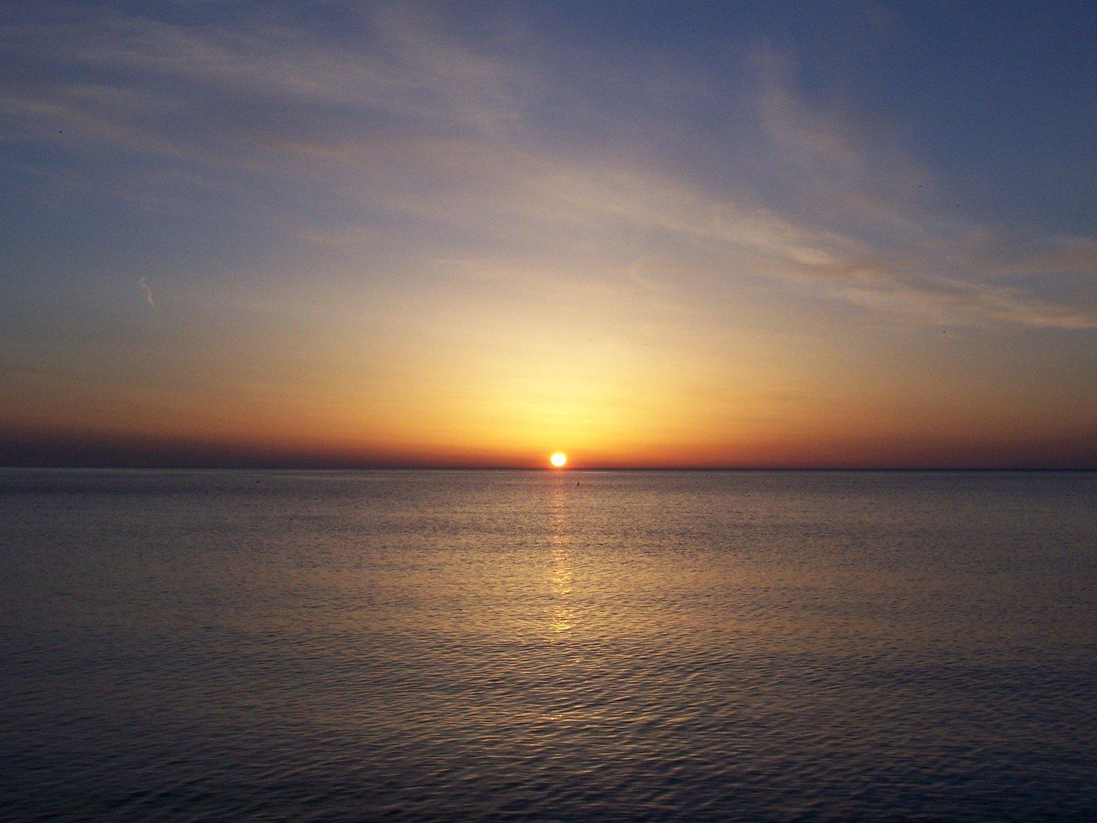 Free Great Lakes Sunrise Stock Photo