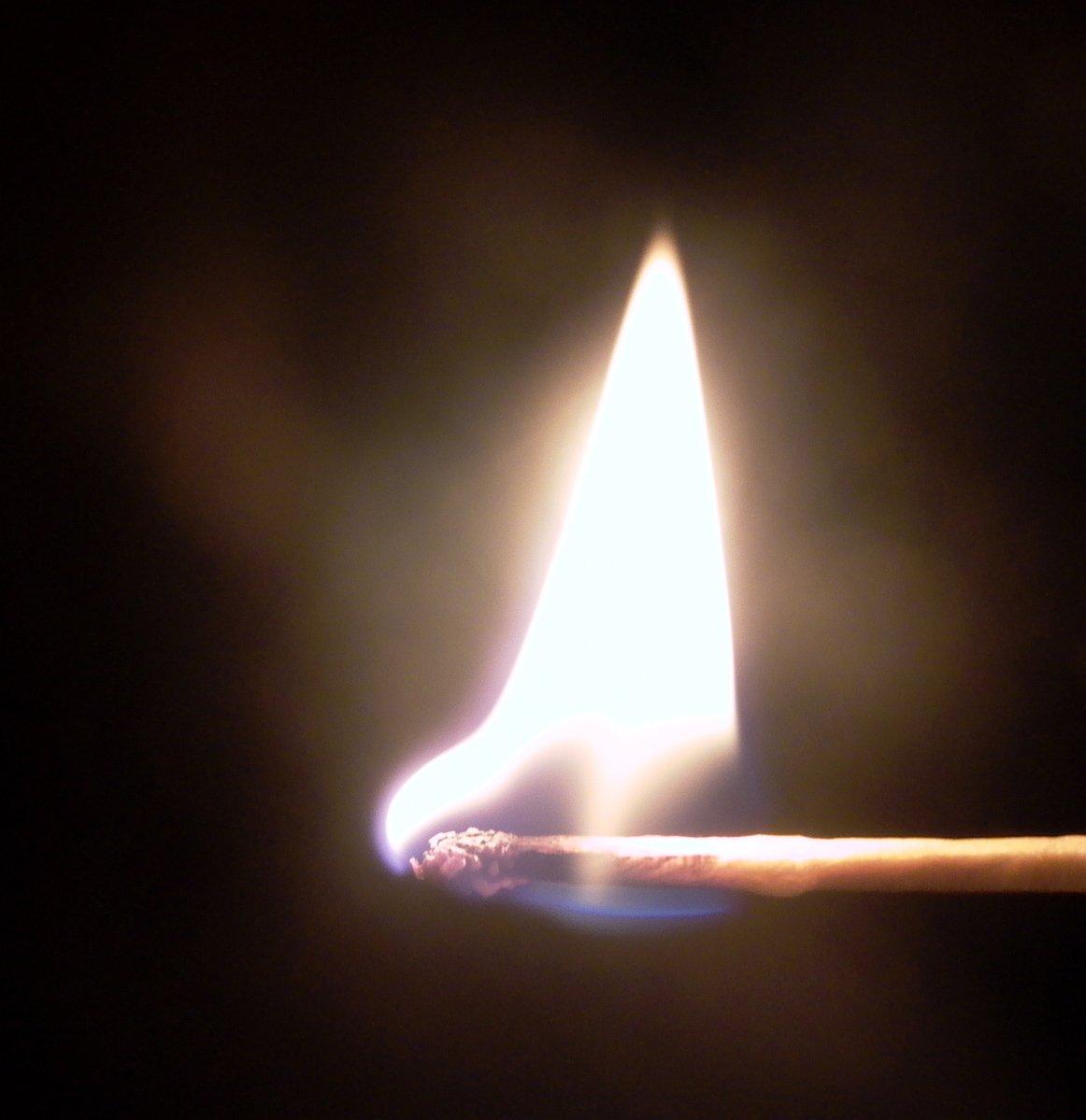 free burning match 2