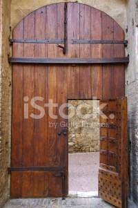 Medieval Wooden Door stock photos - FreeImages.com