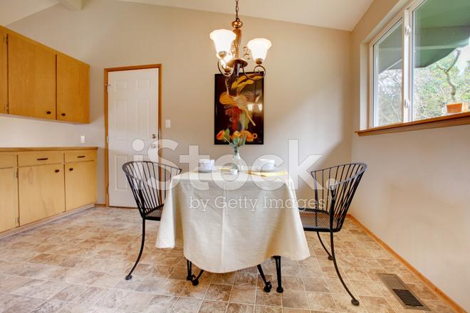 metal kitchen table sets kitchenaid scale 金属厨房餐桌的餐厅照片素材 freeimages com premium stock photo of 金属厨房餐桌的餐厅