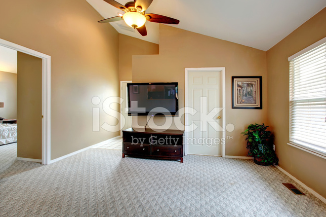 Vaulted Ceiling Empty Room With TV Stock Photos