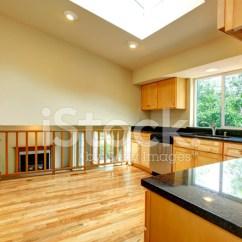 Kitchen Ceilings White Set 宽敞的厨房天花板房照片素材 Freeimages Com Premium Stock Photo Of 宽敞的厨房天花板房
