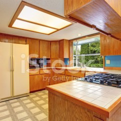 Kitchen Skylights Cabinet Hardware Pulls 天窗的厨房照片素材 Freeimages Com Premium Stock Photo Of 天窗的厨房