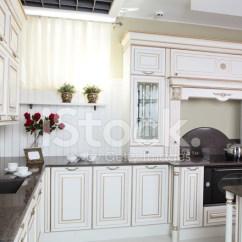 European Kitchens Hotel With Kitchen 现代欧洲厨房的内部照片素材 Freeimages Com Premium Stock Photo Of 现代欧洲厨房的内部