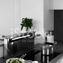 European Kitchens Rolling Kitchen Islands 现代欧洲厨房的内部照片素材 Freeimages Com Premium Stock Photo Of 现代欧洲厨房的内部