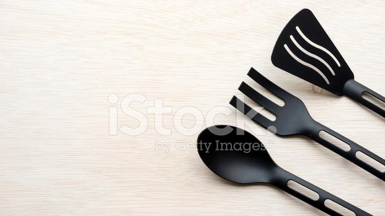 black kitchen appliances wolf design 黑色厨房用具多件套餐 叉 勺子和压舌板 照片素材 freeimages com premium stock photo of