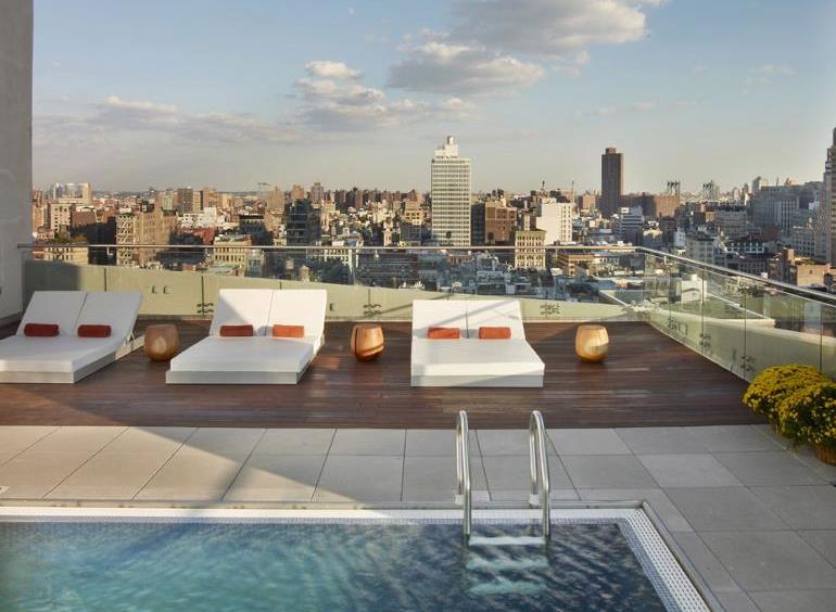 Plonge dans les meilleures piscines de New York  French