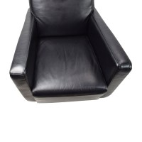 90% OFF - Natuzzi Natuzzi Black Leather Swivel Chair with ...