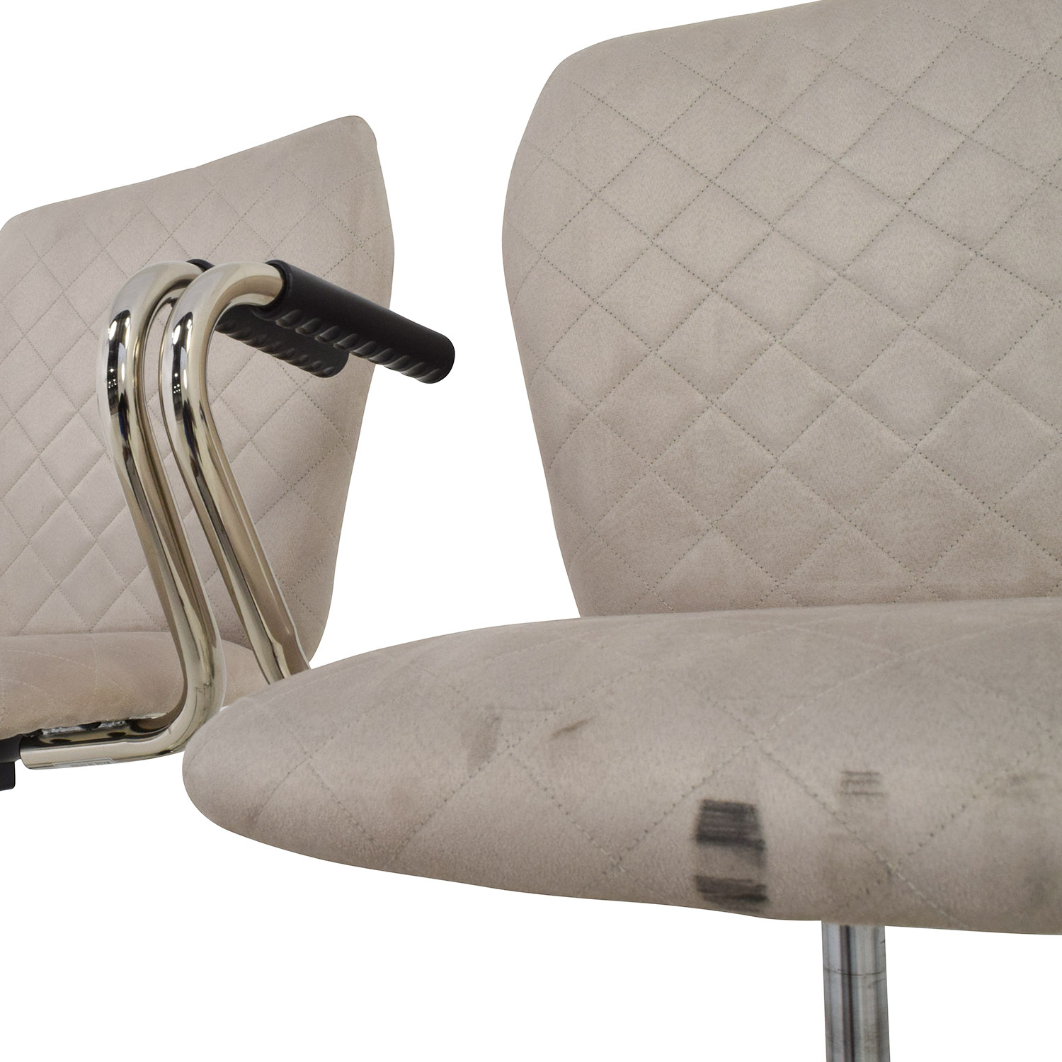 quilted swivel chair bjs beach chairs 90 off beige second hand