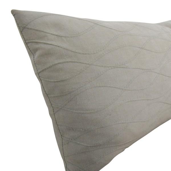 85 - Calvin Klein Beige Wave Design Toss
