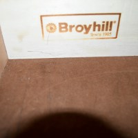 90% OFF - Broyhill Broyhill Curio China Cabinet / Storage