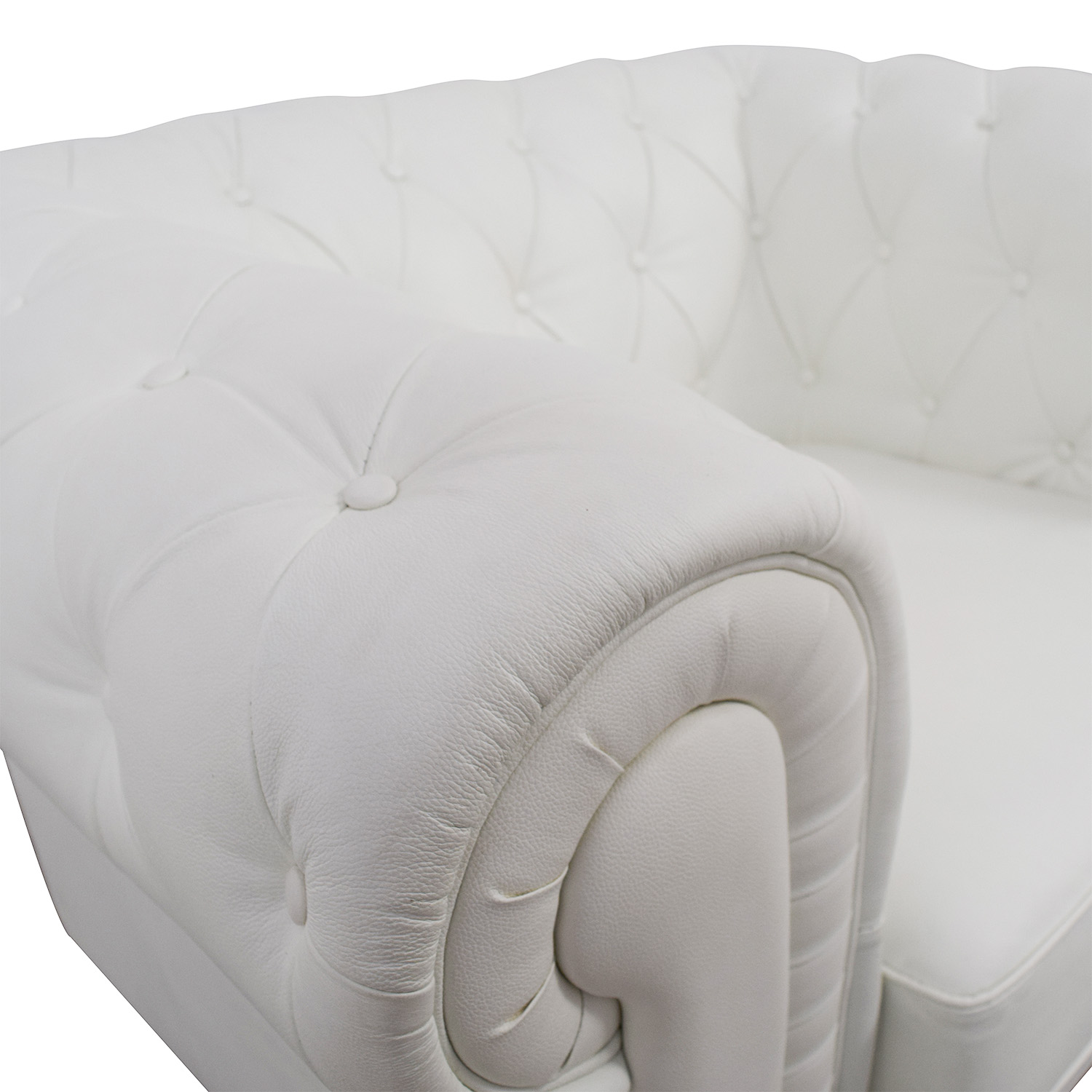 White Tufted Accent Chair 86 Off Chesterfield Tufted White Leather Accent Chair