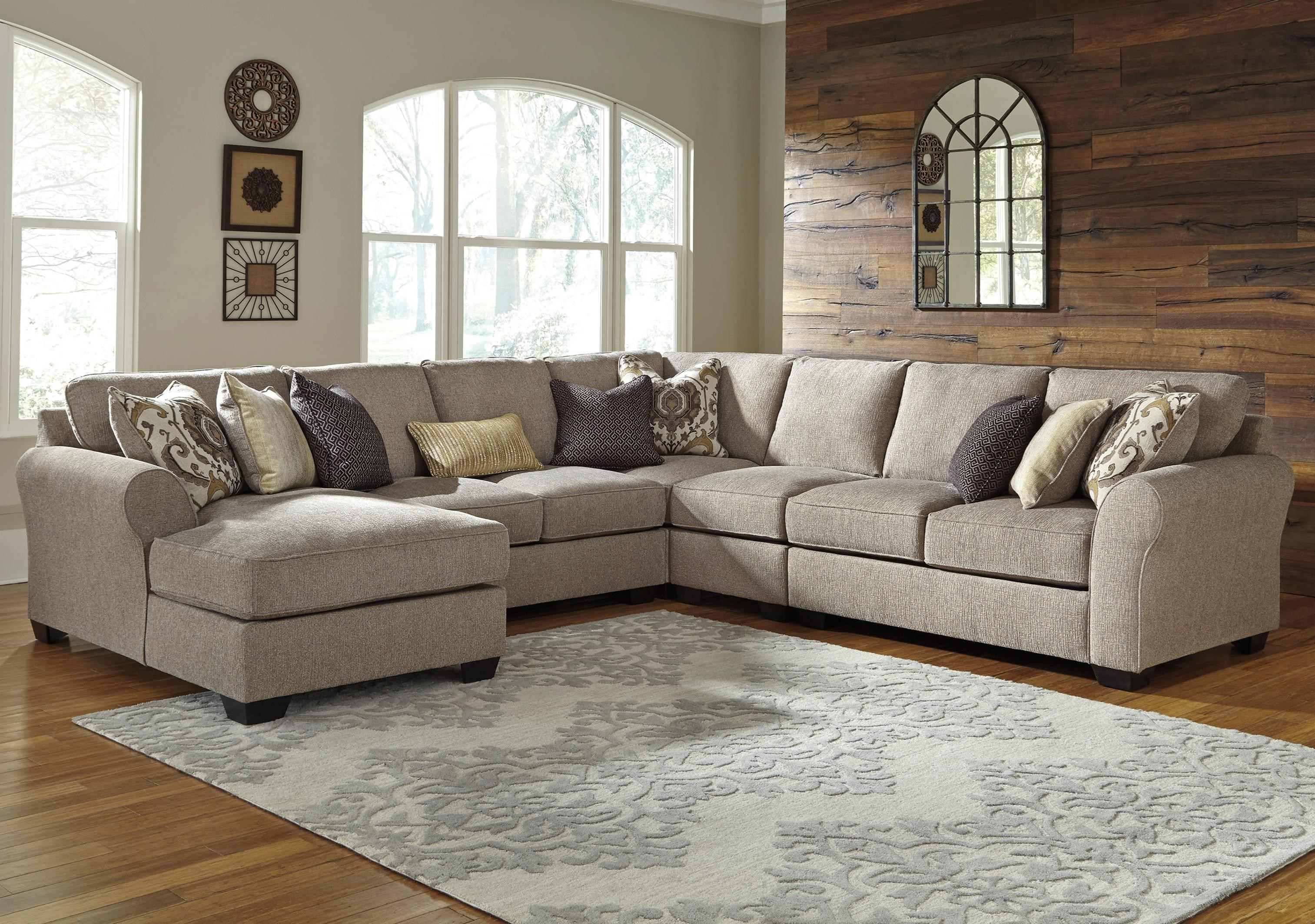 Del Sol AB Pantomine 5Piece Sectional with Left Chaise
