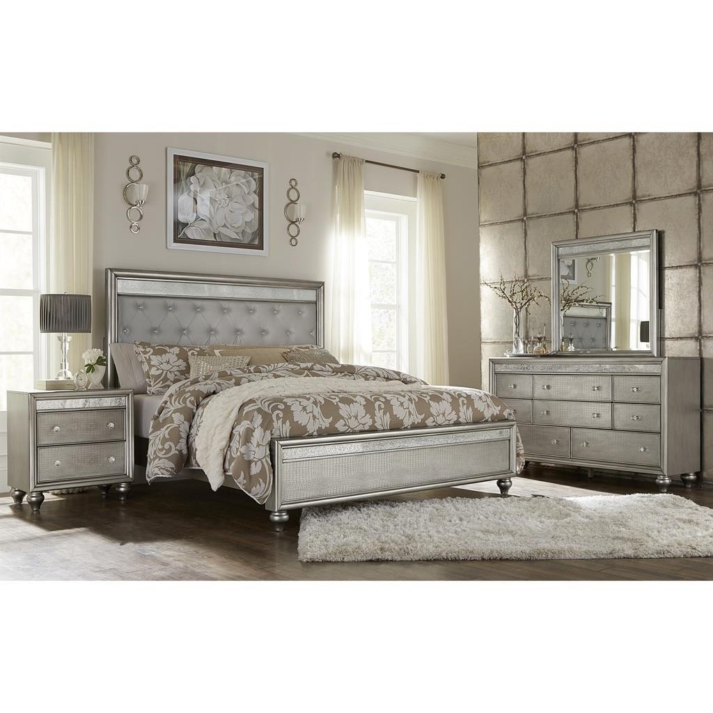 Samuel Lawrence Posh Queen Bedroom Group  Corner