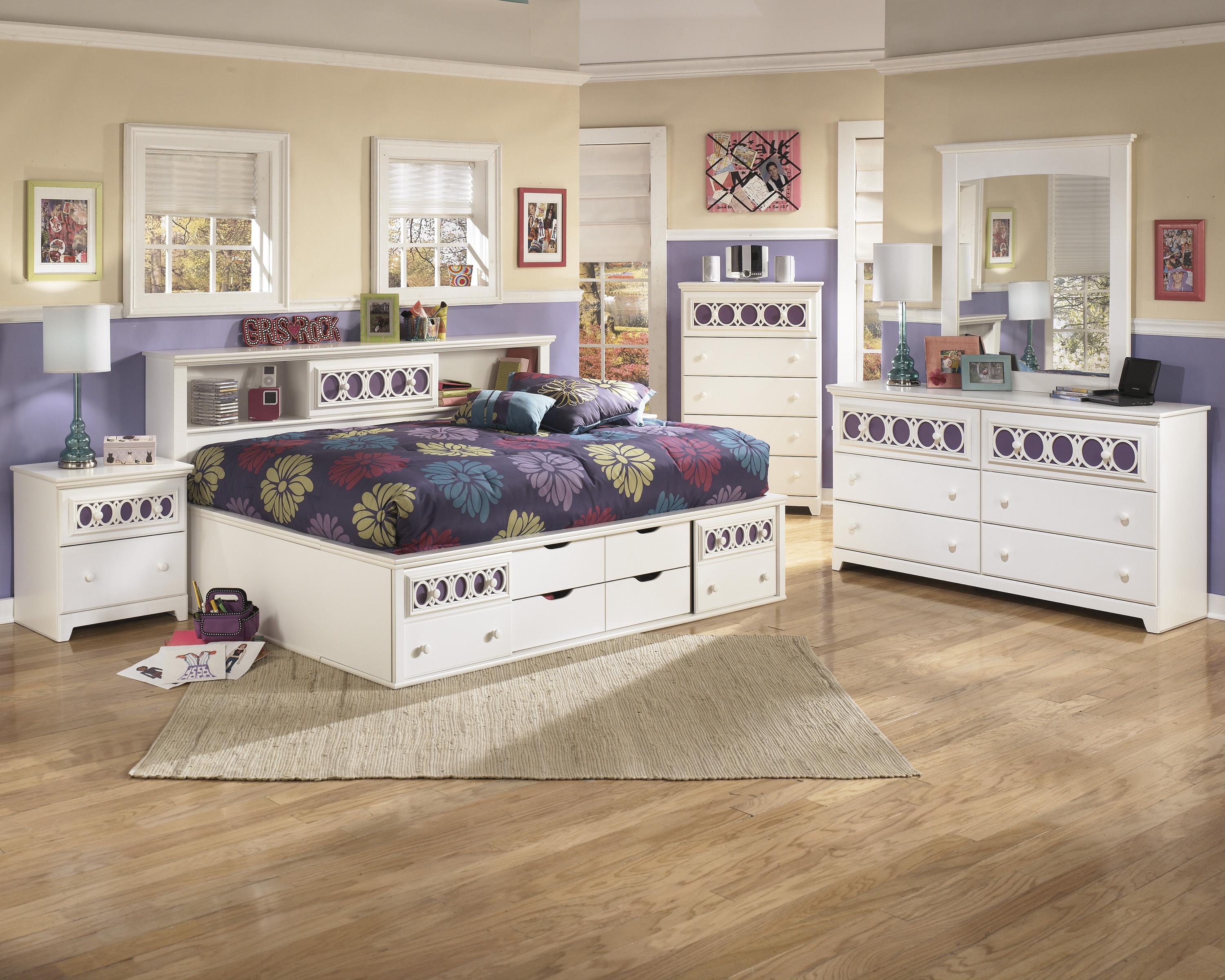Signature Design By Ashley Zayley Full Bedroom Group