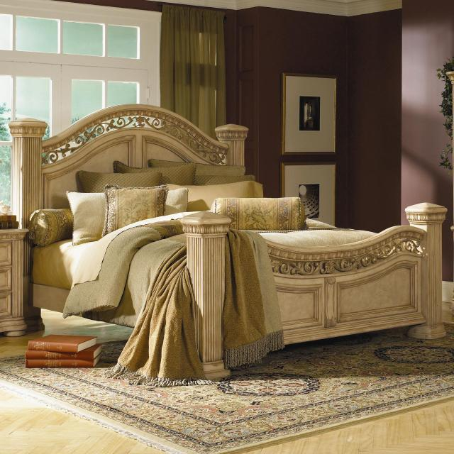 Flexsteel Wynwood Collection Antiguo Blanco Queen Mansion Bed