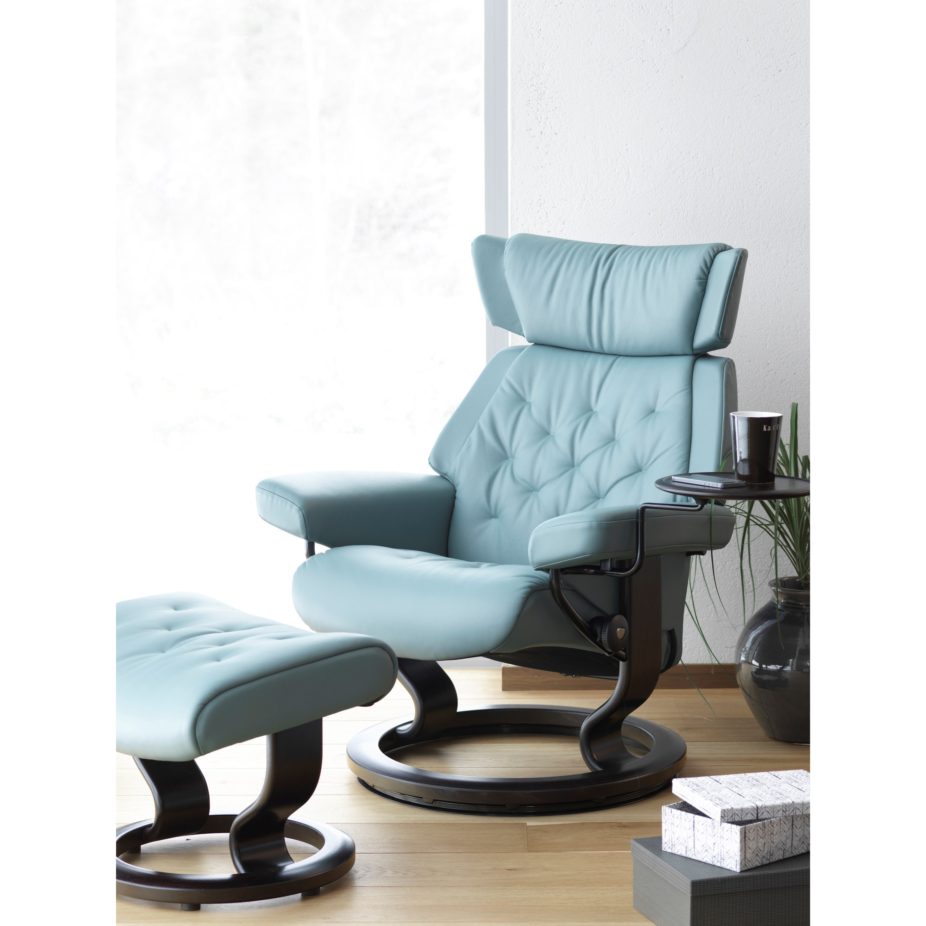 Small Chair With Ottoman Stressless Skyline Small Reclining Chair And Ottoman With