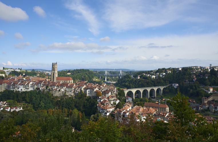 Tourismus Ferien Reisen Urlaub  Fribourg KulturBrckenStadt  Schweiz