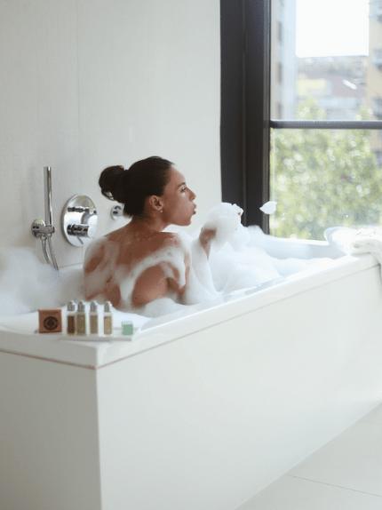 Bagno caldo  scopri subito tutti i benefici per corpo e mente