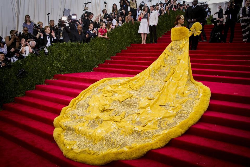 GUO PEI IN PASSERELLA Rihanna