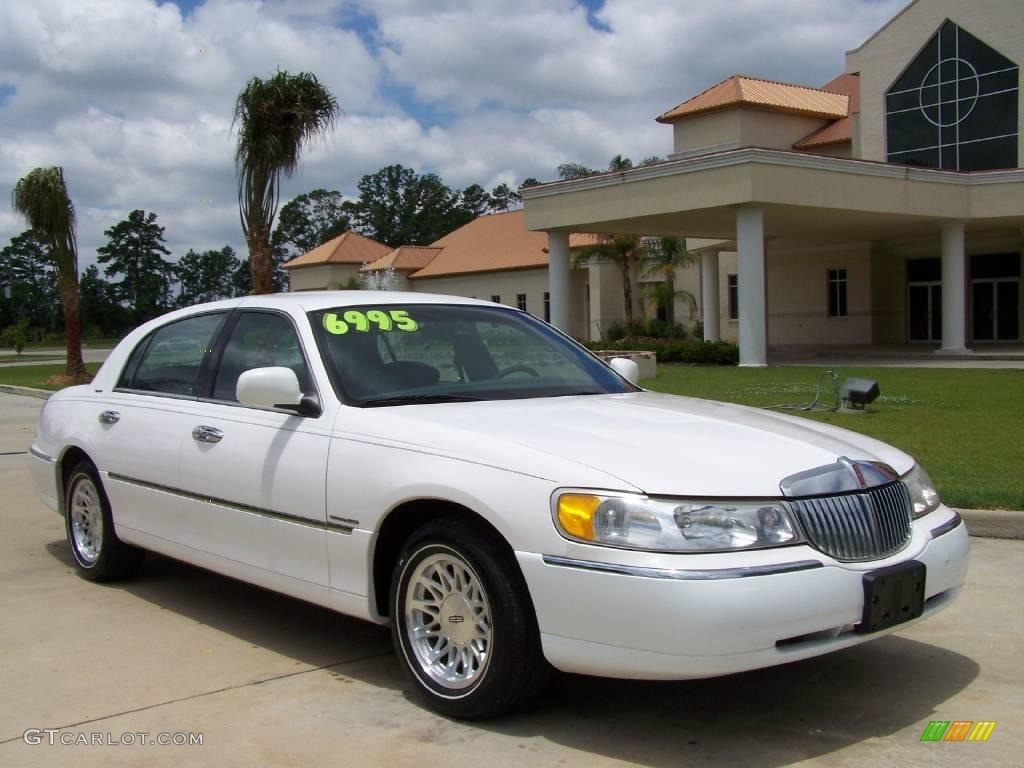 hight resolution of performance white lincoln town car lincoln town car signature
