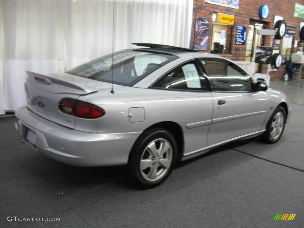 hight resolution of 2000 cavalier z24 coupe ultra silver metallic graphite photo 3