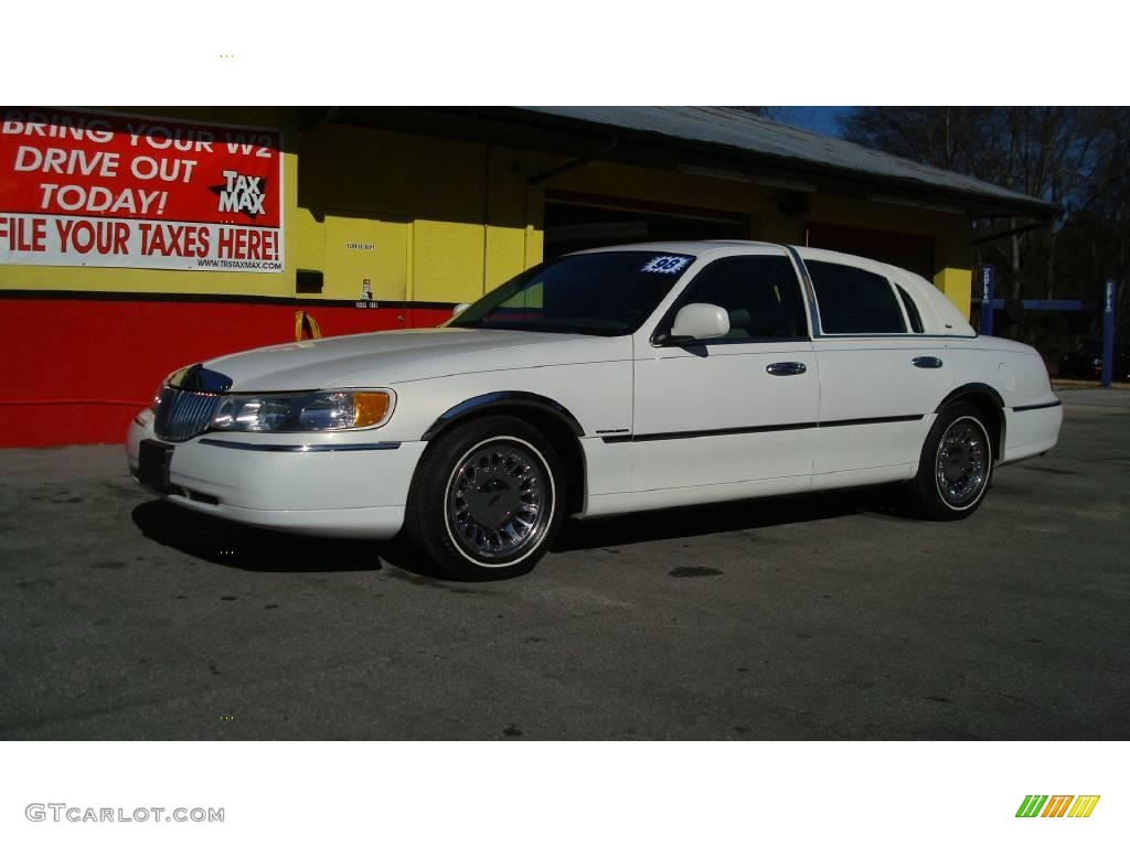 1998 Lincoln Town Car Signature Gold Lowrider