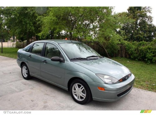 small resolution of light tundra metallic 2003 ford focus se sedan exterior photo 28626731