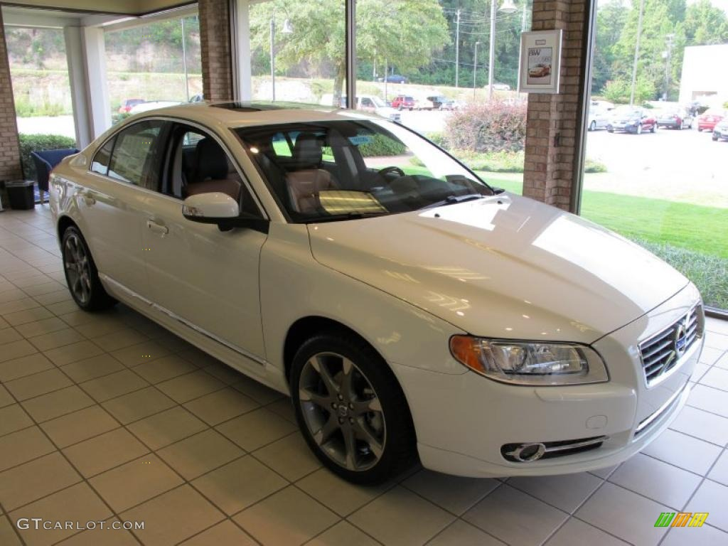 hight resolution of ice white volvo s80