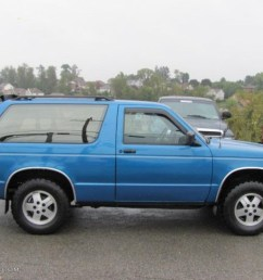 1991 bright blue metallic chevrolet s10 blazer tahoe 4x4 37175095 photo 2 [ 1024 x 768 Pixel ]