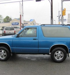 1991 bright blue metallic chevrolet s10 blazer tahoe 4x4 37175095 photo 12 [ 1024 x 768 Pixel ]