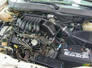 2001 Ford Taurus SE 30 Liter OHV 12Valve V6 Engine Photo