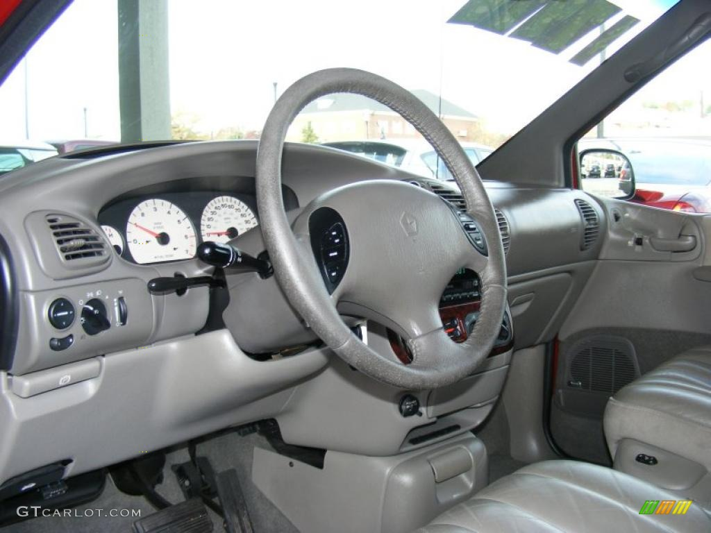 hight resolution of taupe interior 2000 chrysler town country limited photo 39279907