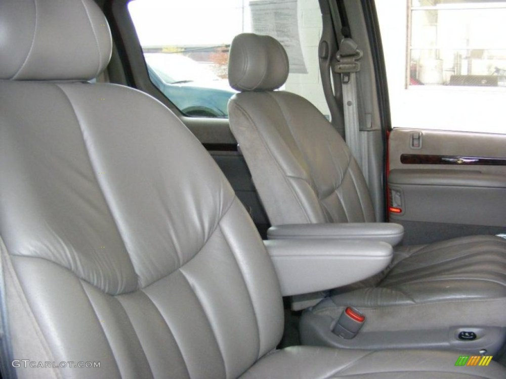 medium resolution of 2000 chrysler town country limited interior photo 39280051
