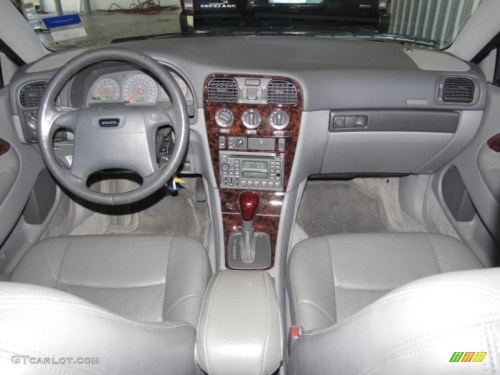 small resolution of 2000 volvo s40 1 9t silver grey dashboard photo 39322257