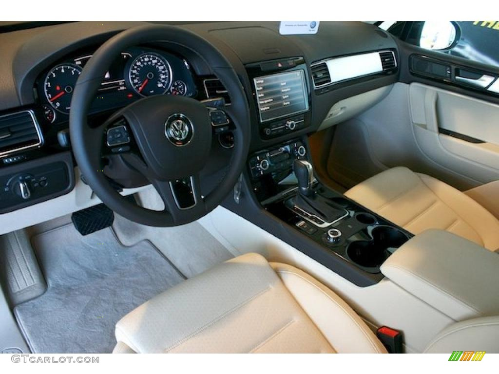 hight resolution of cornsilk beige interior 2011 volkswagen touareg vr6 fsi sport 4xmotion photo 39322777