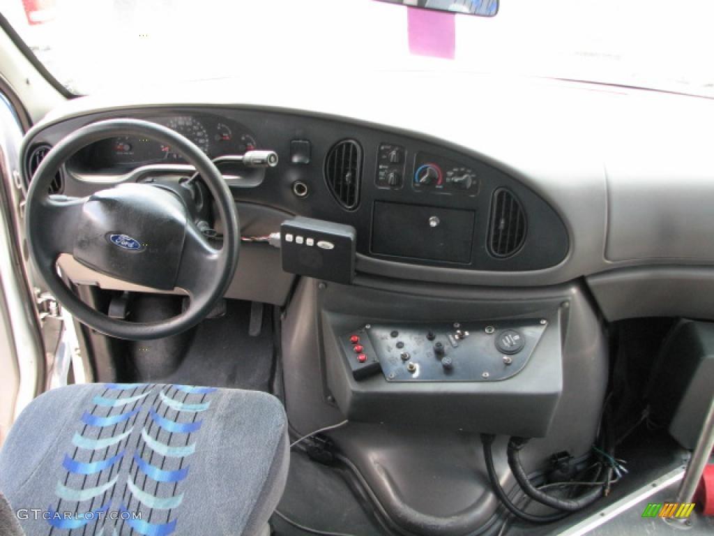 hight resolution of 2002 ford e series van e450 passenger bus interior photo 39751878
