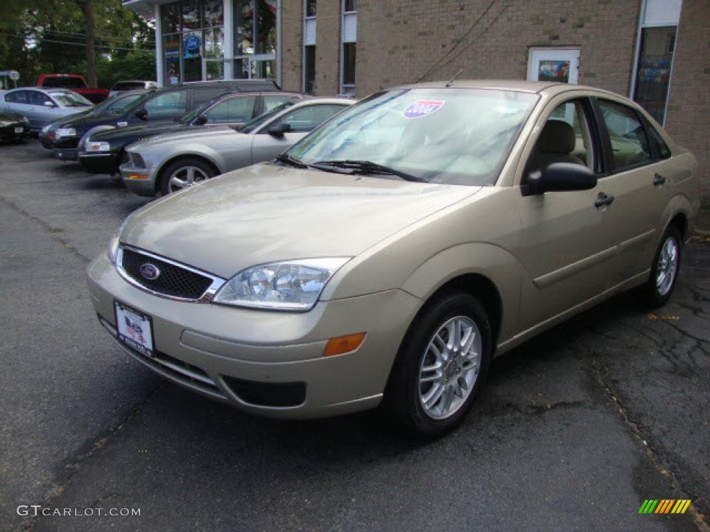 hight resolution of pueblo gold metallic 2006 ford focus zx4 se sedan exterior photo 39861499
