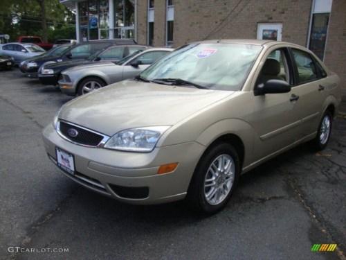 small resolution of pueblo gold metallic 2006 ford focus zx4 se sedan exterior photo 39861499
