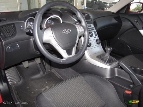 small resolution of 2010 hyundai genesis coupe 2 0t interior photo 40606581