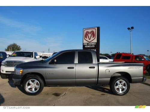 small resolution of mineral gray metallic 2008 dodge ram 1500 sxt quad cab exterior photo 41039564