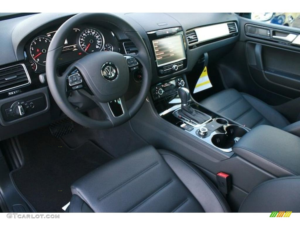 hight resolution of black anthracite interior 2011 volkswagen touareg vr6 fsi sport 4xmotion photo 41532005