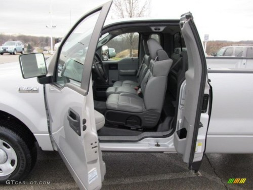 small resolution of 2007 ford f150 xl regular cab 4x4 interior photo 42255286