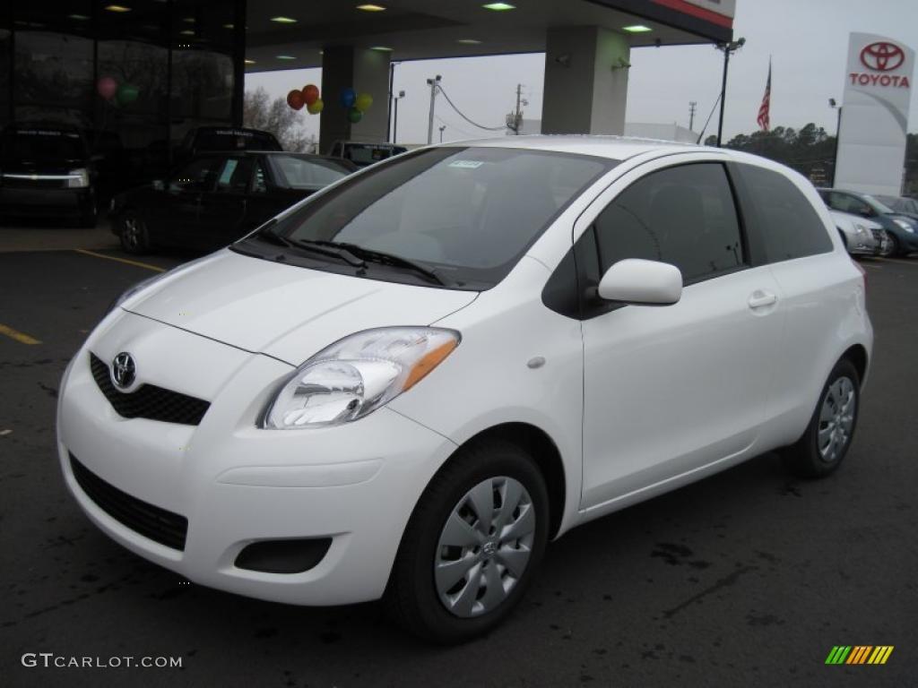 toyota yaris trd white grand new veloz 1.3 2011 super 3 door liftback 43339260
