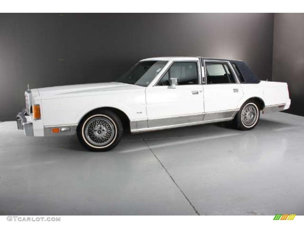 medium resolution of oxford white 1989 lincoln town car standard town car model exterior photo 43784906