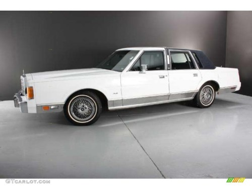 small resolution of oxford white 1989 lincoln town car standard town car model exterior photo 43784906