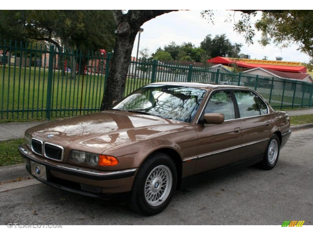 hight resolution of impala brown metallic bmw 7 series