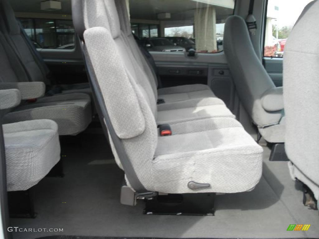 hight resolution of medium flint grey interior 2006 ford e series van e350 xlt 15 passenger photo 44386147