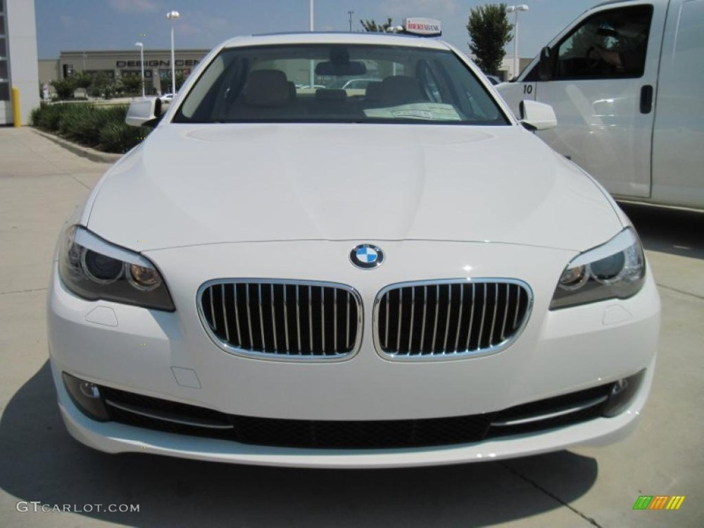 medium resolution of alpine white 2011 bmw 5 series 528i sedan exterior photo 44914932